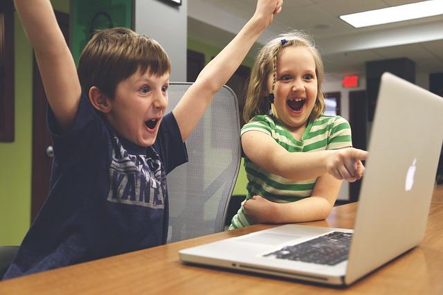 子供 パソコン 喜ぶ