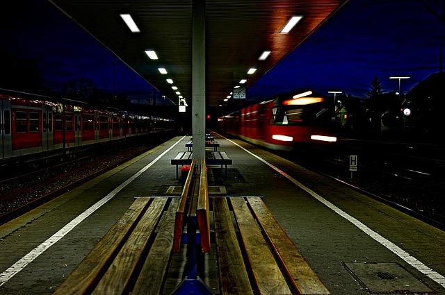 railway-station-999864_640